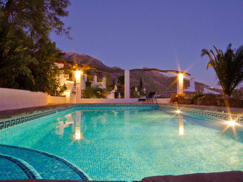 Evening at pool el Carligto Private Andalucian Hideaway Carol Ketelson Delectable Destinations Culinary Tours