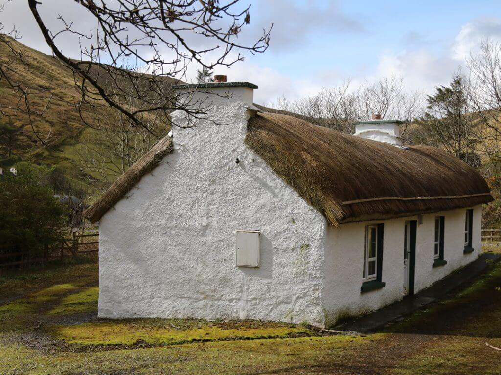 Tatched roof house in Ireland Carol Ketelson Delectable Destinations Culinary Tours