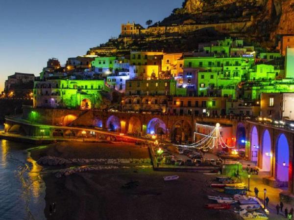 experience the culinary magic of the amalfi coast during the holiday season